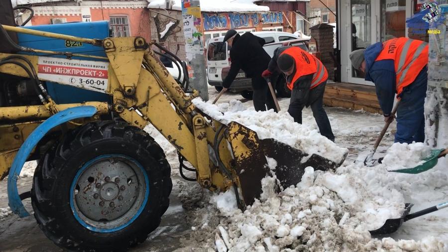 МБФ імені Рабі Нахмана продовжує розчистку вулиць в мікрорайоні паломництва
